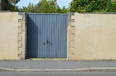 Il est interdit de stationner devant son propre garage