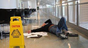 Un commerçant est responsable des accidents survenus à ses clients