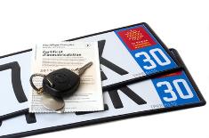 Plaques d'immatriculation : logo de région et numéro de département obligatoires ?