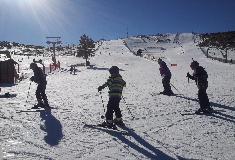 Vacances au ski : une assurance neige est-elle obligatoire ?