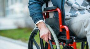 Circuler en fauteuil roulant sur une piste cyclable est interdit