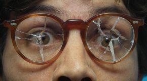 Réparation de lunettes cassées, retaille de verres… les opticiens conscients de la gêne de vivre sans nos «yeux de vingt-ans» ont créé un service d'urgence pour vous aider.